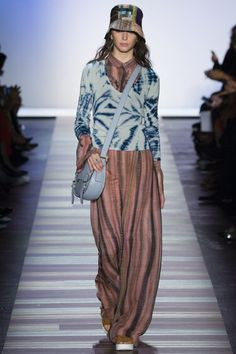 BCBG Max Azria Spring 2016 Ready-to-Wear Fashion Show Collection