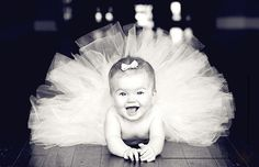 if i ever have a baby girl.there will be tutus.lots of tutus Photo Bb, Jolie Photo, Foto Newborn, Newborn Photos, Newborn Tutu, Cute Kids, Cute Babies, Baby Kids, Child Baby