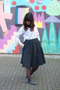 KuneCoco • #naehdirwas: It's all about Mustermix • Bahnhof Ehrenfeld in Köln Waist Skirt, Midi Skirt, High Waisted Skirt, Skirts, Fashion Styles, High Waist Skirt, Gowns, Action, Skirt