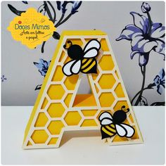 Letra em 3d - abelha Bumble Bee Birthday, Baby Birthday, 1st Birthday Parties, Bee Nursery, Mommy To Bee, Bee Party, Bee Crafts, Bee Theme, Baby Shower Themes