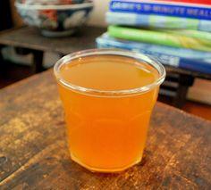 日本の伝統的な万能調味料『煎り酒』 by 有川奈名子 / 日本の伝統的な調味料の煎り酒は、身近な材料で手作りすることができます。お醤油と比べてまろやかな味わいで、和え物やカルパッチョに使えて大活躍です! / Nadia