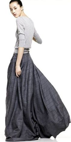 Long skirt #georgebstyle love the drama of the skirt wit the simple sweater
