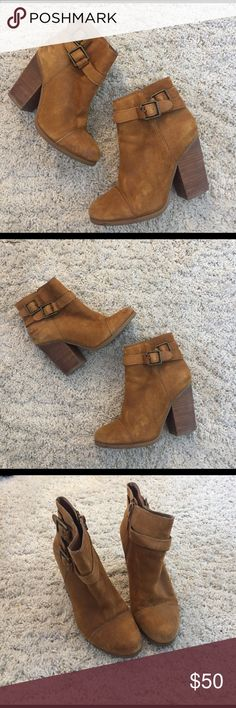 ✨Host Pick!✨Lucky Brand - Laureen Ankle Boot Buetiful suede ankle boots from Lucky Brand. I love the color!! Great condition. Hardly worn. Only flaw is some slight darkening of the suede on the back (see pictures). Super cute and comfy. Size 5.5. I'm a size 6 and I fit into them. Lucky Brand Shoes Heeled Boots