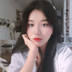 Image about love in makeup by ᵔᴥᵔ on We Heart It Pretty Korean Girls, Cute Korean Girl, Beautiful Asian Girls, Ulzzang Korean Girl, Uzzlang Girl, Girly Pictures, Just Girl Things, Aesthetic Girl, Girl Photos