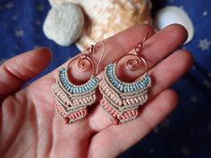 Copper micro-macrame drop earrings bohemian por LoveIsAnOcean