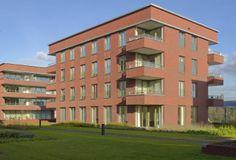 Zon is een belangrijk element in ons ontwerp. We denken goed na over de positionering van de balkons en de huizen. Lennart