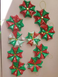 In this DIY tutorial, we will show you how to make Christmas decorations for your home. The video consists of 23 Christmas craft ideas. Paper Christmas Decorations, Paper Christmas Ornaments, Christmas Origami, Christmas Art, Christmas Projects, Christmas Wreaths, Holiday Decor, Easy Arts And Crafts, Diy And Crafts
