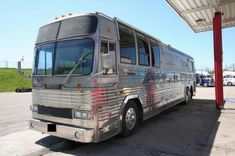 1981 Prevost bus   New and Used Buses, Motorhomes and RVs for sale Diesel For Sale, Rv For Sale, Busses For Sale, Moon Taxi, Prevost Bus, Used Motorhomes, Used Bus, 8 Passengers, Detroit Diesel
