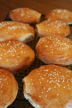 Whole Wheat Hamburger Buns {bread machine} - let's use our bread machine  for this