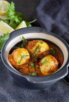 10 Quick Dinner Recipes, That Are Less Than 200 Calories, Are Perfect For The Super Busy Indian Egg Curry Recipe, Egg Recipes Indian, Indian Dishes, Indian Curry, Indian Foods, Quick Dinner Recipes, Veg Recipes, Curry Recipes, Healthy Recipes