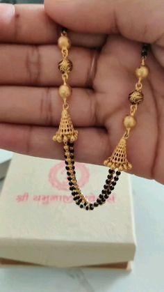 Jewelry Design Earrings, Gold Earrings Designs, Gold Bangles Design, Gold Jewellery Design, Gold Mangalsutra Designs, Fancy Jewellery, Gold Jewelry Simple, Blouse, Men Styles