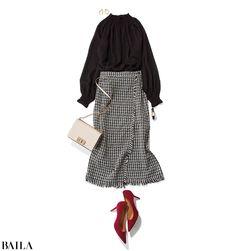 友人と立ち飲みする日は、透けブラウス×ツイードスカートで【2019/11/20のコーデ】|@BAILA|おしゃれ感度の高い30代に向けてファッション、ビューティ、ライフスタイル、結婚、恋愛等のリアルを届けるサイト Modest Outfits, Modest Fashion, Skirt Fashion, Hijab Fashion, Fashion Outfits, Fasion, Smart Casual Outfit, Casual Outfits, Fashion Photo