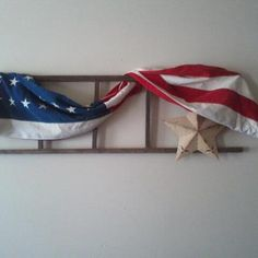 my old beautiful....HAPPY 4th.... Old Wooden Ladders, Old Ladder, Crafts To Make, Diy Crafts, Happy Birthday America, I Love America, Prim Decor, Keeping Room, Craft Ideas
