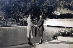1939 ANKARA ANNEM VE ARKADAŞI Ankara Gençlik Parkı   Tahire özel arşivi ve adına yüklenmiştir.