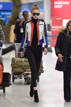 December Gigi hadid at JFK airport in New york city Streetstyle 2016, Gigi Hadid Style, Kendall Jenner, Versace, Celebrity Style, Bomber Jacket, Hollywood, Celebs, Street Style