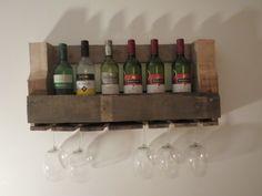 Robuust wijnrek op maat gemaakt... Wil jij ook een op maat gemaakt wijnrek aan je muur hebben? Mail dan naar rreuver_1985@hotmail.com voor vragen en bestellingen.