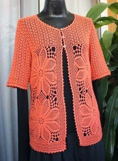 Crochet jacket with lots of xtra pictures and diagram of flower at source Gilet Crochet, Crochet Coat, Crochet Jacket, Tunisian Crochet, Crochet Cardigan, Crochet Clothes, Cardigans Crochet, Creation Couture, Irish Lace