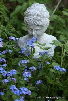 Pretty blue flowers w/ garden bust Garden Mum, Blue Garden, Colorful Garden, Dream Garden, Little Flowers, Blue Flowers, Garden Statues, Garden Sculpture, Beautiful Gardens