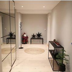 @mitt_linkhus My House, Home Decor, Garden, Lily, Homemade Home Decor, Garten, Gardening, Interior Design, Home Interiors