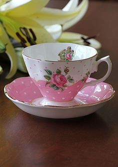 Royal Albert New Country Roses Cheeky Pink Vintage Teacup and Saucer Boxed Set