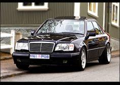Mercedes Benz E500 W124 by niko..N-10, via Flickr