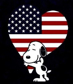 Happy of July! Images Snoopy, Snoopy Pictures, Cute Pictures, Peanut Pictures, Snoopy Cartoon, Peanuts Cartoon, Peanuts Snoopy, Snoopy Love, Charlie Brown And Snoopy