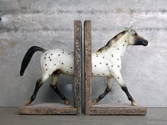 Polka Dot Sculpture Horse Bookend... awesome use for your ol' dust collectin' Breyer