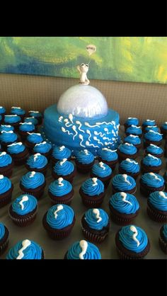 A family friend of mine is having a little boy name Gabriel, this was her baby shower cake - Imgur
