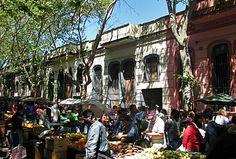 Domingo, el dia de ir a Tristán Narvaja.Montevideo, Uruguay,