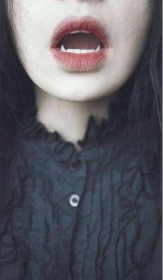 Kat Rilo. Vampire