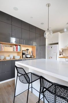 """10 """"Livably Minimalist"""" Modern Kitchens from Real Homes"""