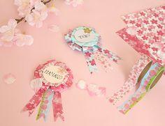 卒園・卒業を迎える方、おめでとうございます! 我が家の次女も4月から年長さんだし、卒園モノの工作を何かしたいなー… という事で、mamaごとなおうちcafeさんのを参考に、桜ロゼットを作ってみました。謝恩会の席次札なんかにしてはいかがでしょう? Blog Entry, Princess Peach, Paper Crafts, Drawings, Birthday, Frame, Party, Gifts, Handmade
