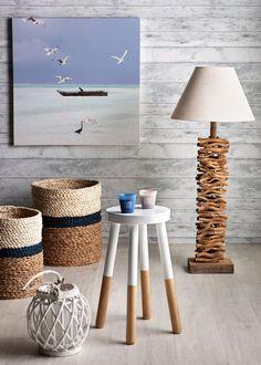 Un printemps-été au bord de mer : Toile Barque, Lampe de sol Fagot, Tabouret Adel, Lanterne Douceur - Marie Claire Maison