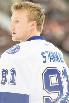 Steven Stamkos Plays For: The Tampa Bay Lightning Tampa Bay Lighting, Steven Stamkos, Super Rugby, Normal Girl, Thunder And Lightning, Boston Strong, Lightning Strikes, Hockey Players, Nhl