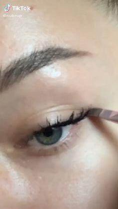 Edgy Makeup, Makeup Eye Looks, Grunge Makeup, Eye Makeup Art, Natural Eye Makeup, Cute Makeup, Skin Makeup, Natural School Makeup, Simple Makeup