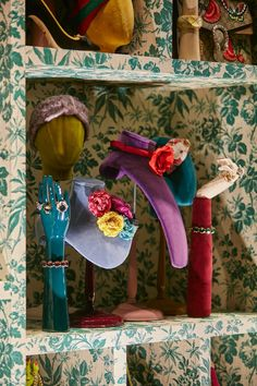 "GUCCI, ""The cabinets featuring Herbarium Rose Print tailor's busts and accessory props"", close-up, creative by Chameleon,pinned by Ton van der Veer Boutique Decor, Boutique Interior, Shop Window Displays, Store Displays, Vitrine Design, Scarf Display, Gucci Floral, Visual Display, Merchandising Displays"