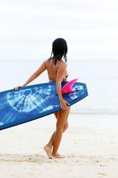 chloe, surfboard by travis reynolds