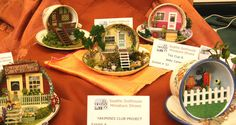 Quarter Scale Dollhouses, Roomboxes and Window Boxes From the 2010 Seattle Show: Quarter Scale Front Porches In A Tea Cup