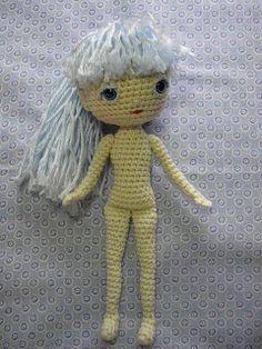 2000 Free Amigurumi Patterns: Human Doll