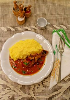 Chicken with tomato sauce and garlic