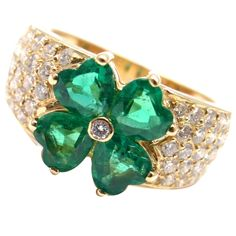 Van Cleef & Arpels Emerald Diamond Gold Flower Ring