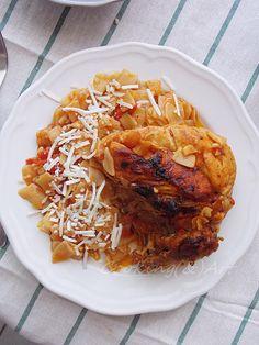 Κοτόπουλο με χυλοπίτες / Cooking(&)Art Cookbook Recipes, Cooking Recipes, Greek Pasta, Greek Recipes, Meat, Chicken, Food, Cooker Recipes, Chef Recipes
