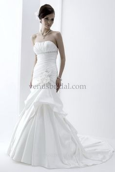 Angel and Tradition by Venus Bridal Style - At4547