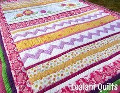 Quilts & Patchwork - Quiltdecke Tagesdecke Patchwork Sommergarten - ein Designerstück von Schnoerkelwerk bei DaWanda