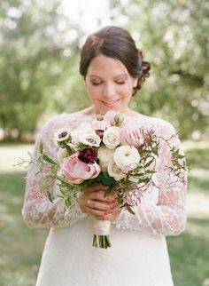 From the bride's gorgeous lace gown to the elegantly rustic ceremony backdrop, this Nashville wedding is beyond beautiful and romantic – not to mention the whole thing was captured by Elizabeth Messina, my dear friend (and wedding photographer!). Breathtaking is really the only word. There are literally hundreds of jaw dropping photos of this wedding; do yourself a …