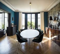 If you even paint the walls and the floor of a typical Parisian apartment just white, you already get a beautiful space - French architecture itself is ✌Pufikhomes - source of home inspiration Parisian Apartment, Paris Apartments, Interior Design Magazine, Interior Design Inspiration, Luxury Dining Room, Interior Design Companies, Commercial Interiors, Sweet Home, Room Decor