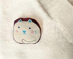 Cat Brooch Handpainted  Mau mau Cat  Cute art brooch by teconlene