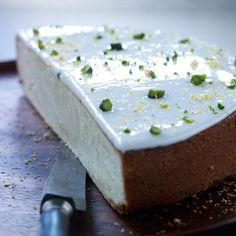 - Smørbakt  Sitronmåne - inneholder mye egg og marsipan -     a Butter-Lemon-Moon-Cake -  danish Lemon Moon Cake