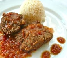 braised veal with red sauce: too good to be taken for granted Eat Greek, Greek Cooking, Everyday Dishes, Greek Dishes, Food Obsession, Dessert, Greek Recipes, Desert Recipes, Yummy Recipes