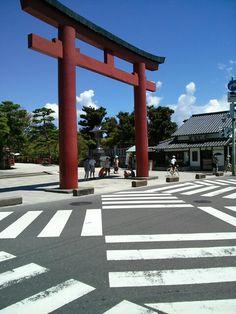 鶴岡八幡宮前の交差点